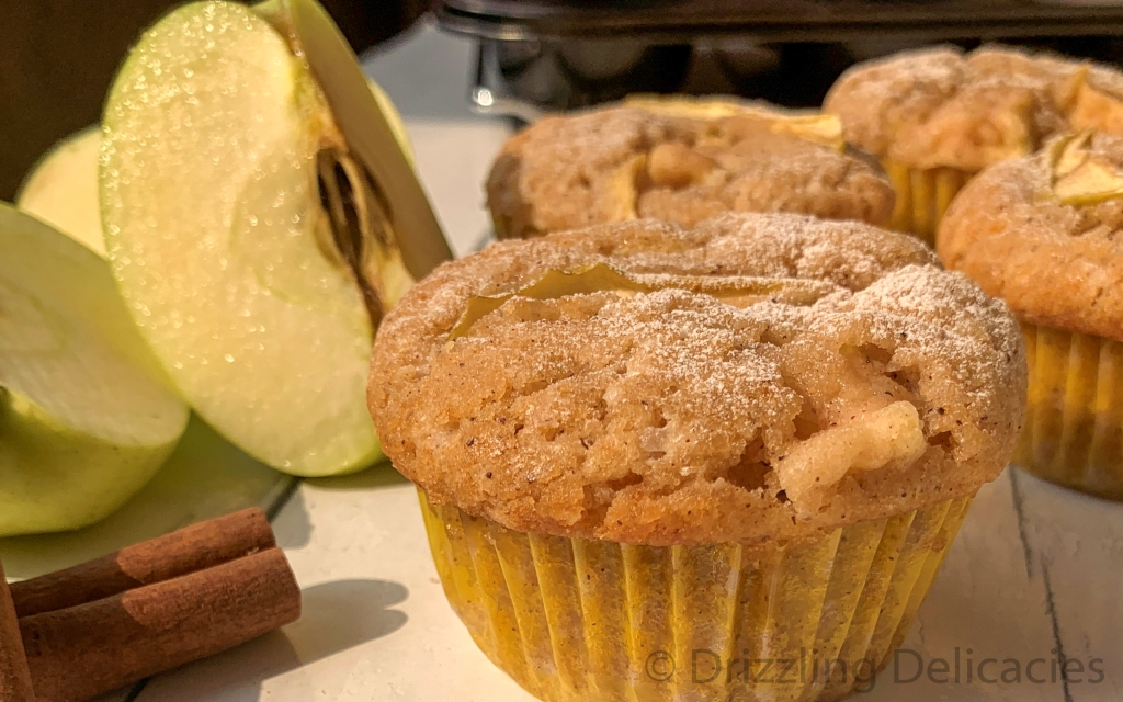 green apple muffins with cinnamon